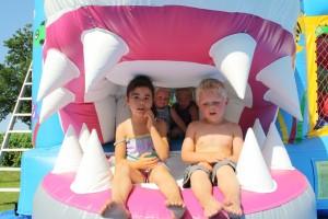 kinderen-haaiebek-springkussen-haai
