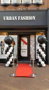 in4more-ballonpilaren-zwart-wit-leeuwarden-opeing-winkel-urban-fashion