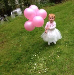 In4More-Springkussen-Partyevrhuur Harlingen-Heliumballonnen-Roze
