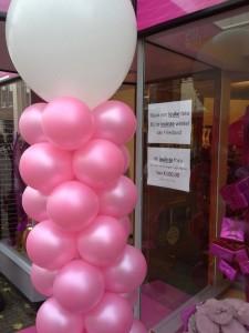 in4more-ballonpilaar-roze-wit-huren