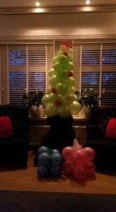 kerstman-kerstboom-kerstfeest-huren-180-hoog-in4more
