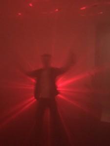 Discofeest In4More met discokist. Inhoud, discobol, discolampen en rookmachine