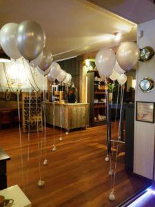 in4more-heliumballonnen-doorgang-bruidspaar-anna-casparii
