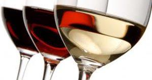 drie-gevulde-wijnglazen-glas-andere-soort-wijn